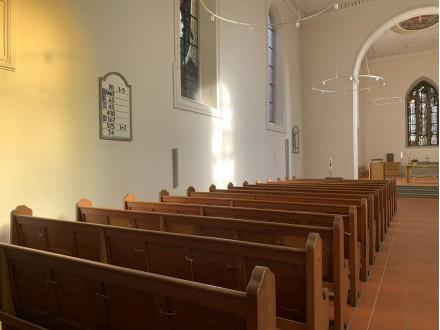 Boxen zur Kirchenbeschallung